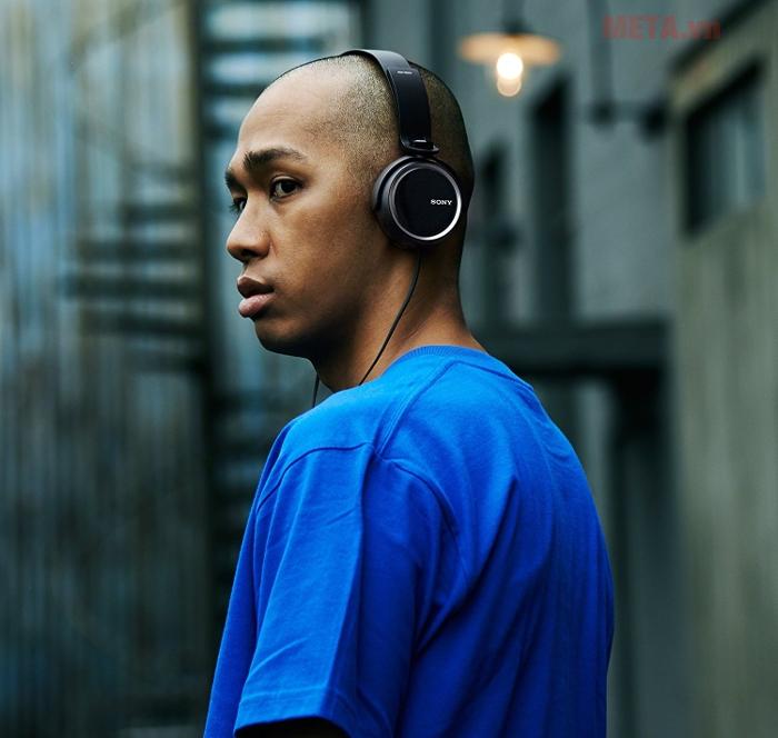 Tai nghe Sony Extra Bass MDR-XB250 mang phong cách trẻ trung hiện đại