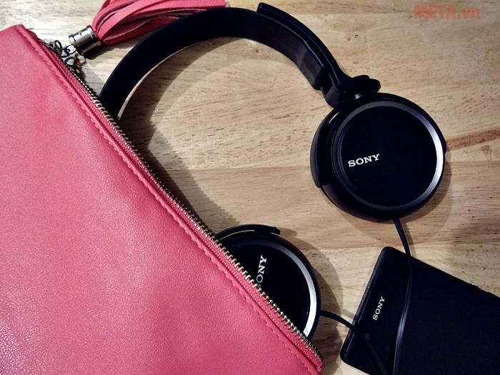 Tai nghe Sony Extra Bass MDR-XB250 với những thiết kế tinh xảo, có thể xoay tròn 360 độ