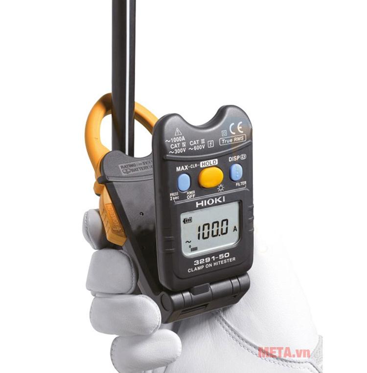 Ampe kìm AC Hioki 3291-50 có màn hình hiển thị thông số rõ ràng
