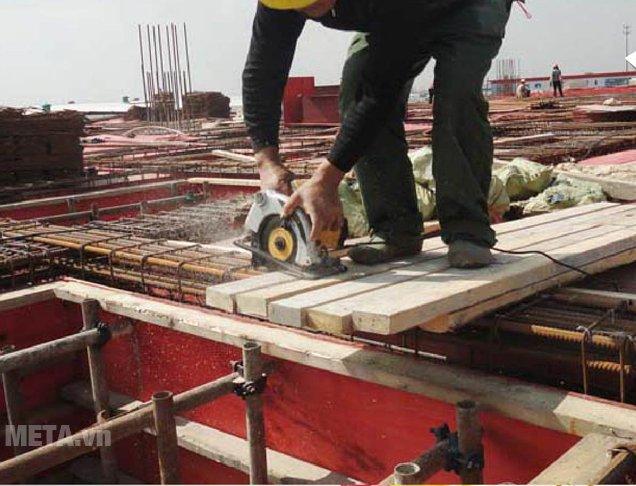 Máy cưa đĩa INGCO CS1858 giúp công việc đạt hiệu quả cao