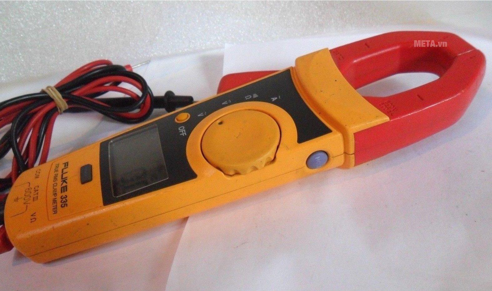 Ampe kìm Fluke 335 có thiết kế nhỏ gọn