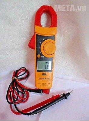Ampe kìm Fluke 335 giúp đo điện nhanh chóng