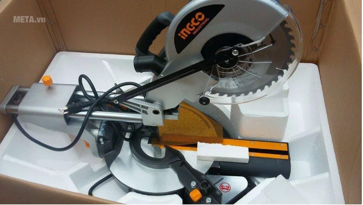 Máy cắt góc đa năng INGCO BM2S18004 có chất liệu cao cấp