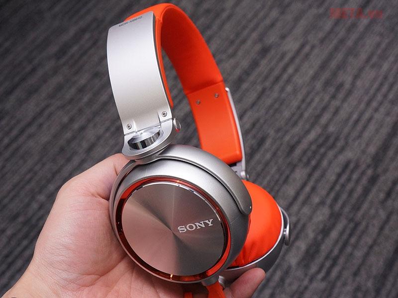 Tai nghe Sony MDR-XB610 thiết kế linh hoạt có thể gấp màng tai 360 độ