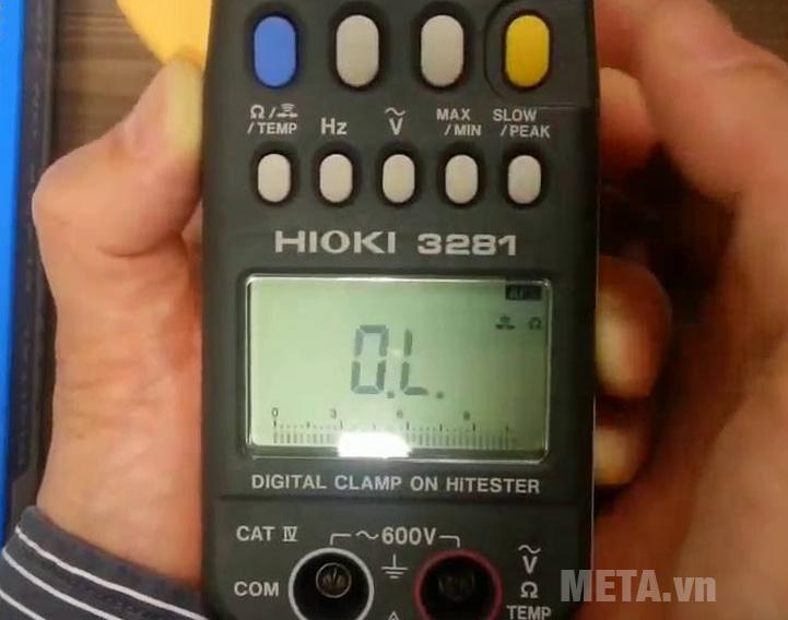 Ampe kìm Hioki 3281 có các nút chức năng tiện dụng