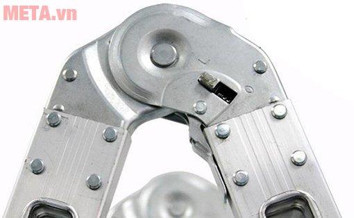 Thang nhôm khóa sập tự động Nikita Nika-15 có khóa chốt chắc chắn