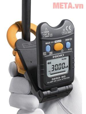 Ampe kìm đo dòng rò Hioki 3293-50 chỉ cần kẹp vào dây mà dòng điện chạy qua