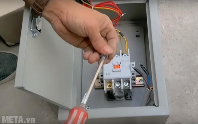 Hình ảnh hướng dẫn đấu điện từ tủ nấu cơm vào hộp điều khiển