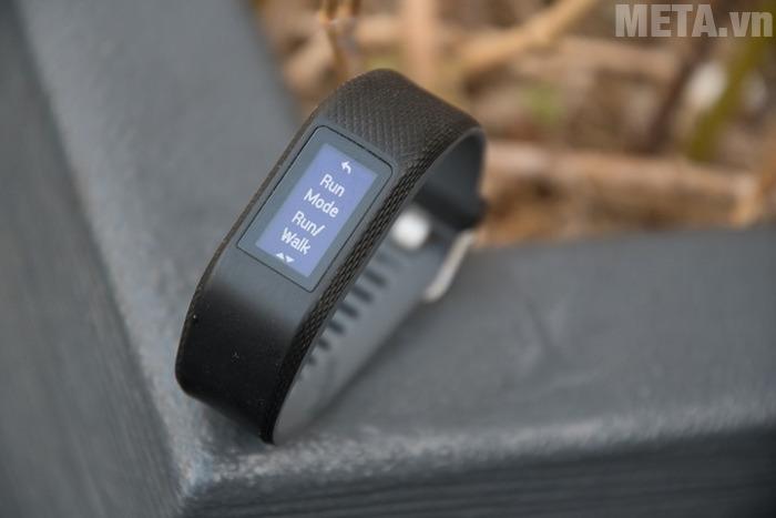 Garmin Vivosport sử dụng màn hình Led, điều khiển cảm ứng