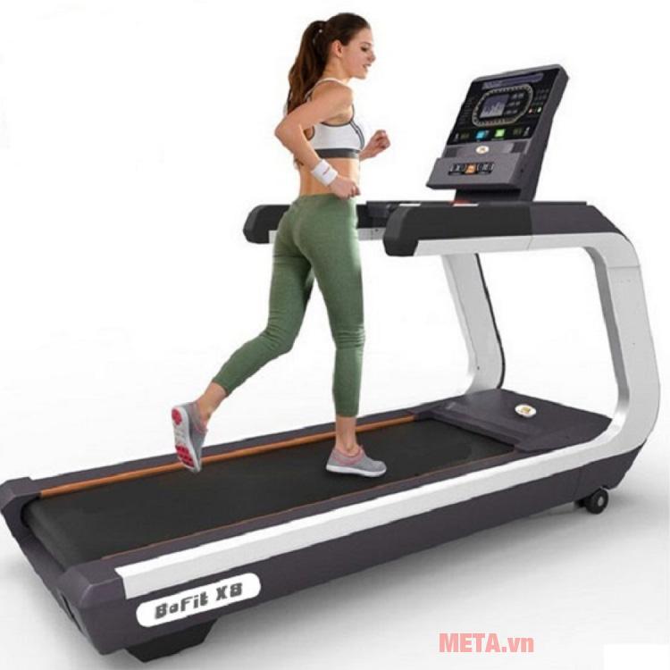 Máy chạy bộ BOFIT X8 sử dụng cho các phòng gym chuyên nghiệp
