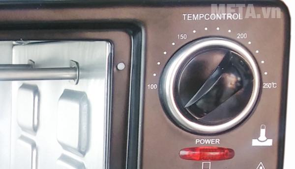 Nút điều chỉnh nhiệt độ của lò nướng Mishio 26 lít
