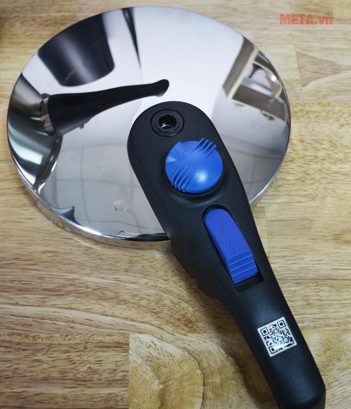 Vung tròn chắc chắn chống thoát nhiệt và giữ nhiệt hoàn hảo