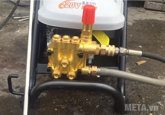 Máy phun rửa cao áp bán chuyên nghiệp Lutian LT-16MC chuyên dùng rửa ô tô