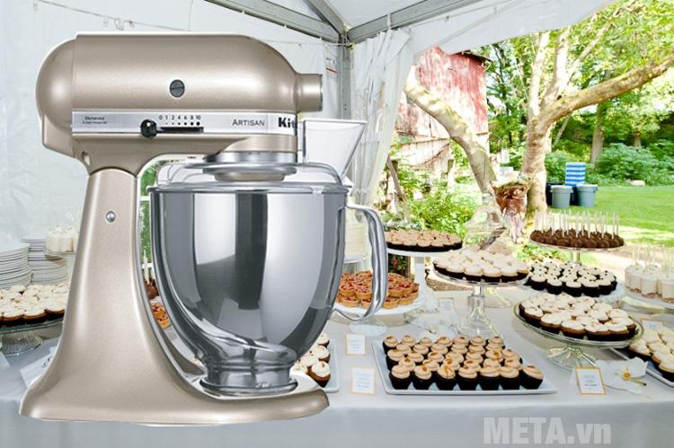 Máy trộn bột đa năng Artisan KitchenAid 5KSM150PSECZ có 10 tốc độ đa dạng