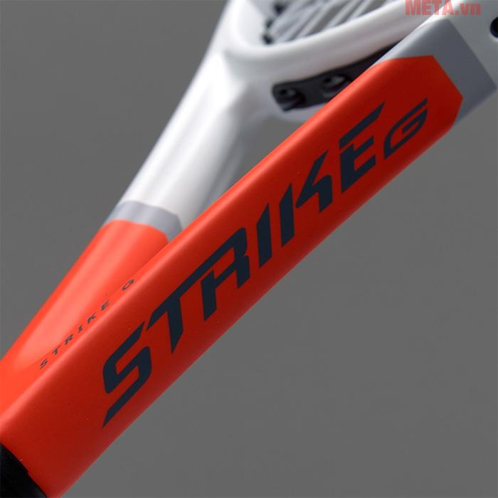 Khung vợt được thiết kế chắc chắn, cho những cú bóng mạnh mẽ