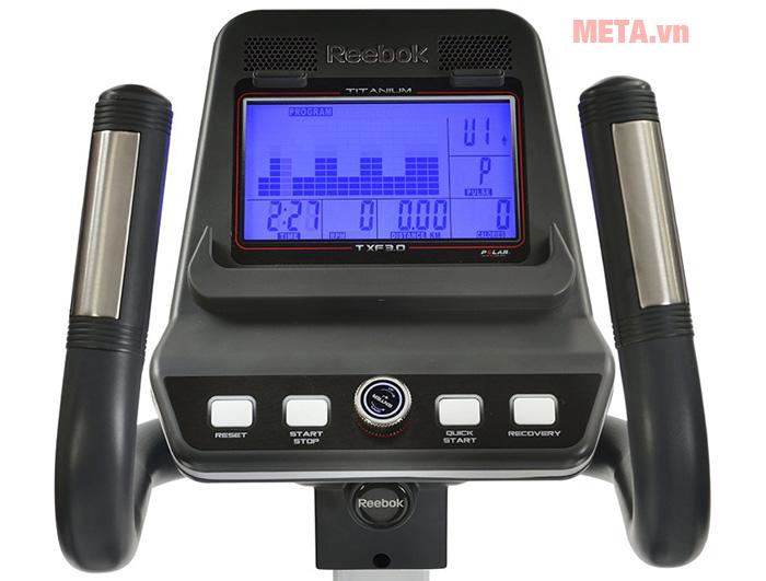 Xe đạp tập Reebok RVTT-10711 có jack cắm giúp bạn nghe nhạc thư giãn khi luyện tập