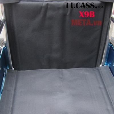 Vải bạt nhựa ổn định giúp người dùng thoải mái hơn khi ngồi.
