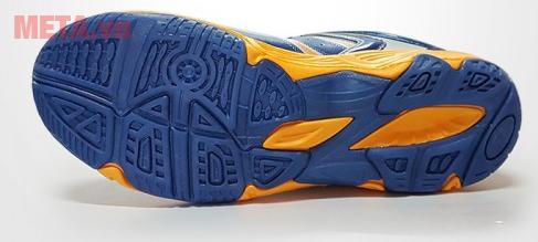 Đế giày chống trơn trượt hiệu quả cao, ngay cả khi trời mưa
