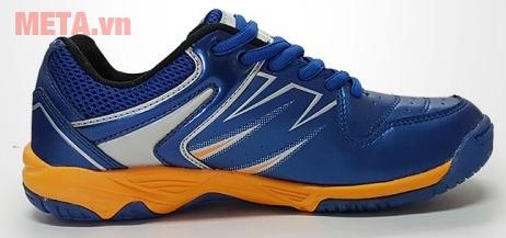 Form giày thể thao cho người đi từng bước uyển chuyển