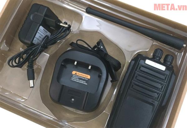 Bộ đàm cầm tay Kenwood TK 3320 cho khả năng nghe gọi từ 35 - 45 tầng