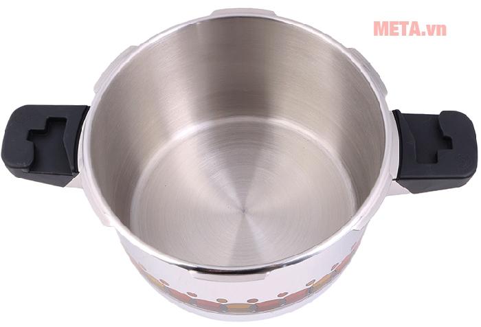 Dung tích 4,5 lít phù hợp sử dụng cho gia đình 4 người