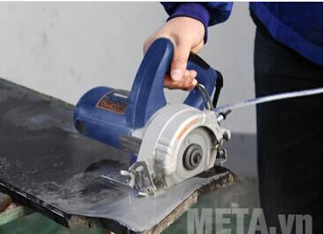 Máy cắt gạch Maxpro MPMC 1200/110 cho khả năng làm việc hiệu quả