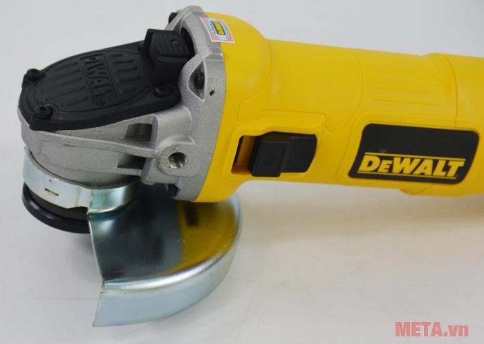 Công tắc của máy mài góc DeWalt DWE8110S