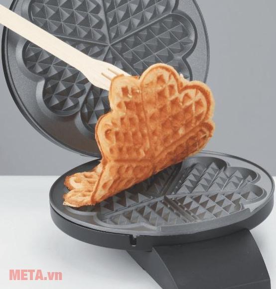 Máy làm bánh Waffle Cloer 1620 có công suất 930W