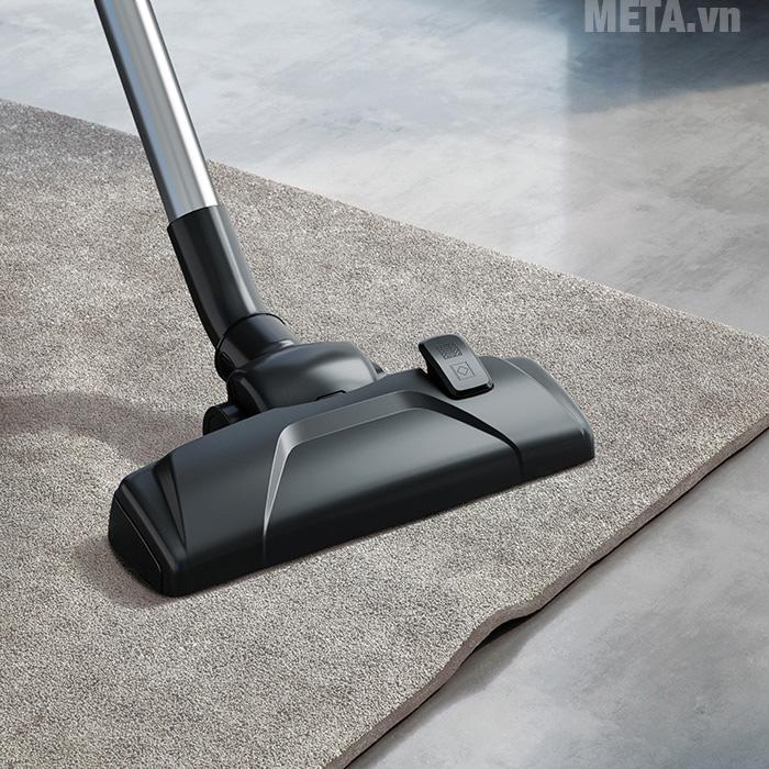 Máy có khả năng hút trên thảm trải nhà và bề mặt gỗ