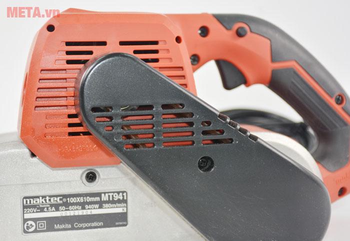 Máy chà nhám băng Maktec MT941 có cò máy dưới tay cầm