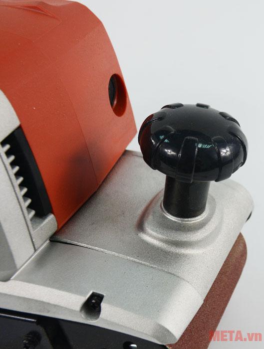Máy chà nhám băng Maktec MT941 có tốc độ dây cu roa nhanh