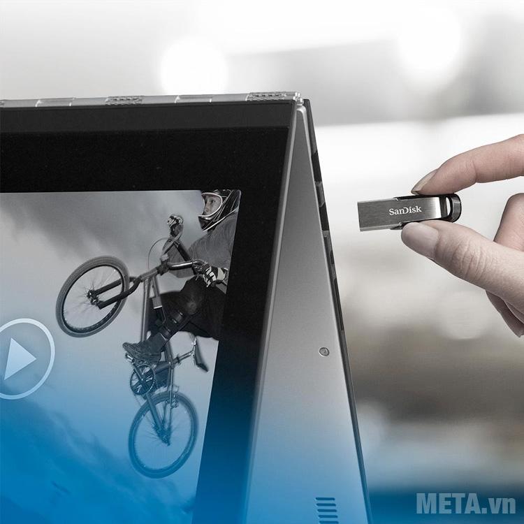 USB 3.0 Sandisk Ultra Flair CZ73 32GB tương thích với cổng USB 2.0, 3.0