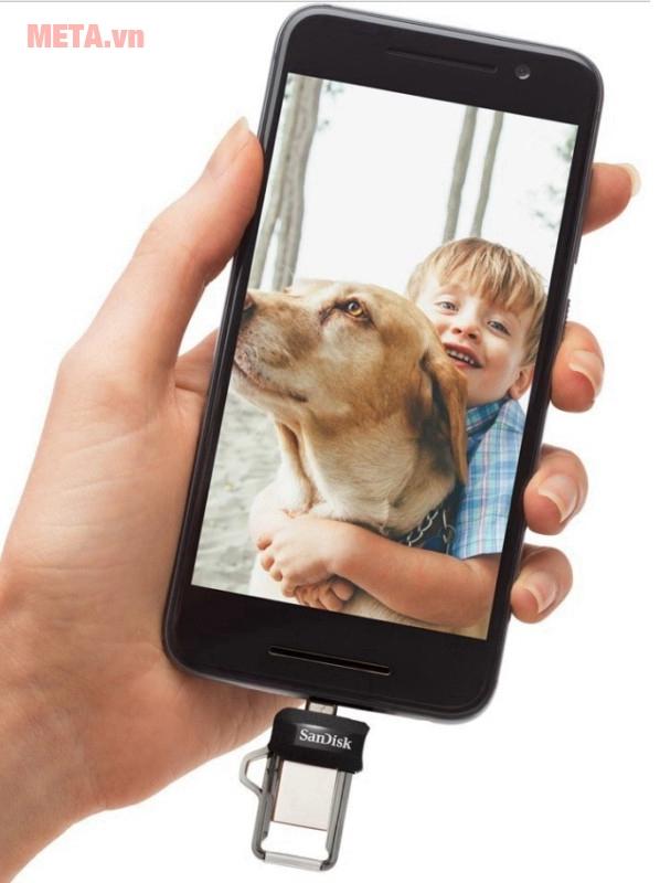 Bộ nhớ chung là 32Gb, giúp bạn cất giữ được nhiều tài liệu, khoảnh khắc hơn,...