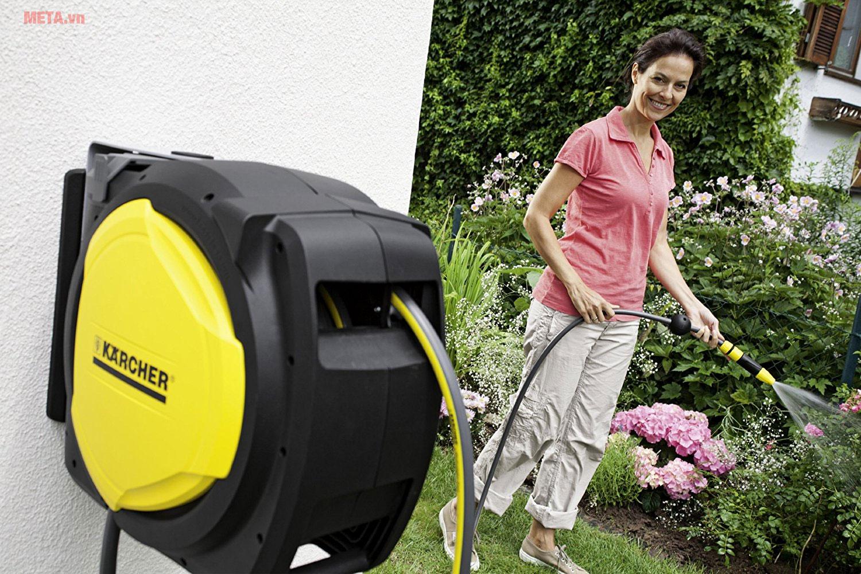 Guồng ống Karcher CR 7.220 giúp chăm sóc vườn tược dễ dàng