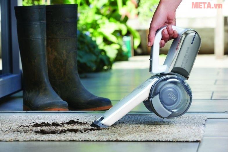 Máy hút bụi dùng pin Black&Decker PV1020L giúp vệ sinh nhà cửa sạch sẽ
