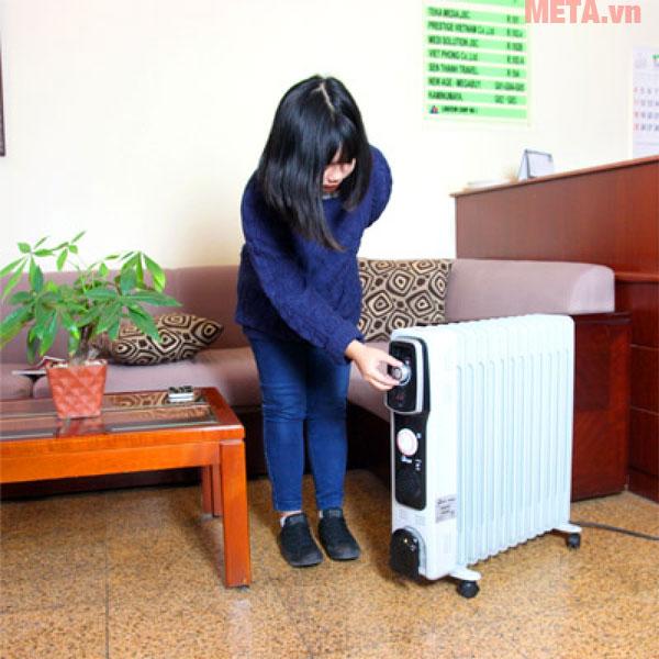 Máy sưởi dầu FujiE OFR4613 phù hợp sử dụng trong phòng khách