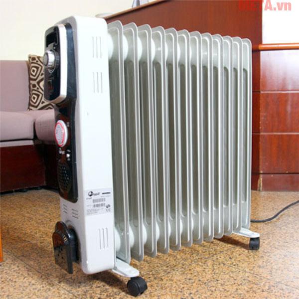 Máy sưởi dầu FujiE OFR4613 gồm 13 thanh sưởi phù hợp với căn phòng từ 10 - 15m2