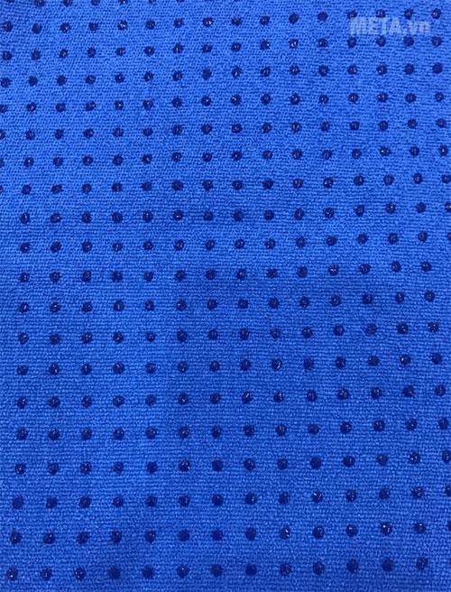 Bề mặt Silicon sẽ giúp khăn có độ bám, dính tuyệt đối