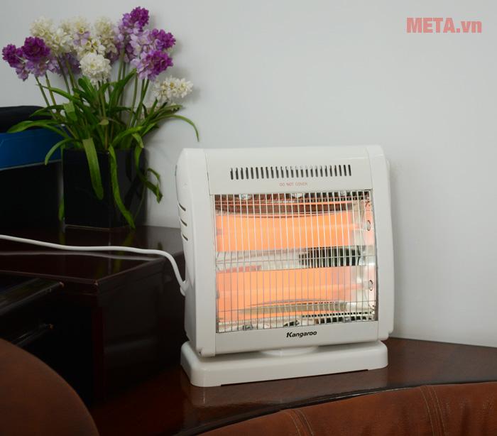Đèn sưởi ấm Kangaroo KG1018C khi bật cả hai bóng