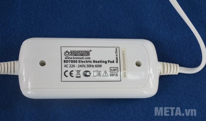 Tấm chườm điện nóng Bremed BD 7800 có bảng điều khiển