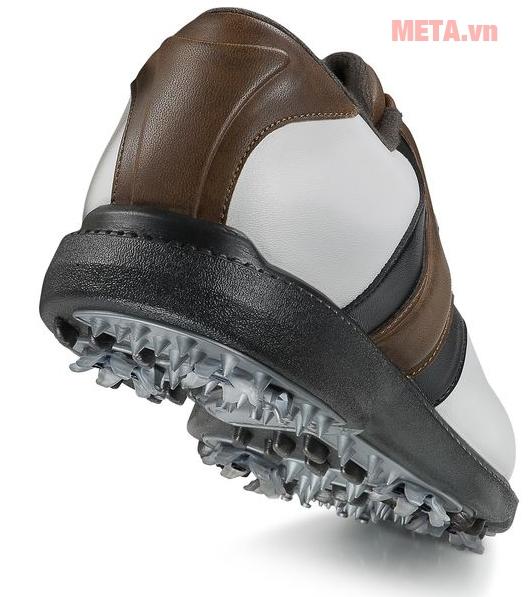 Giày thể thao có độ đàn hồi tốt