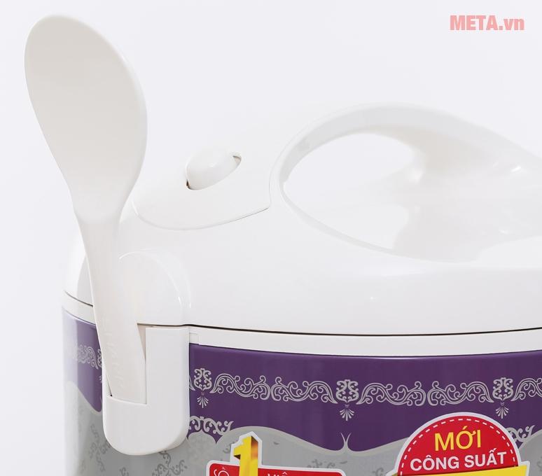 Chất liệu nhựa dẻo, giúp bạn vệ sinh dễ dàng hơn