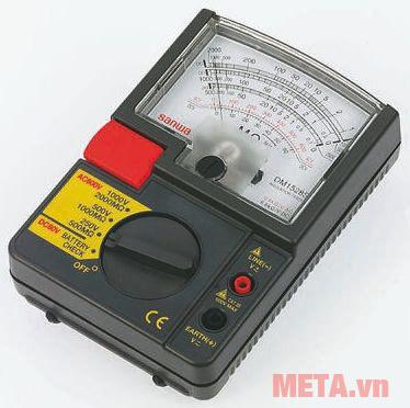 Đồng hồ đo điện trở cách điện Sanwa DM1528S có núm vặn để chuyển đổi thang đo