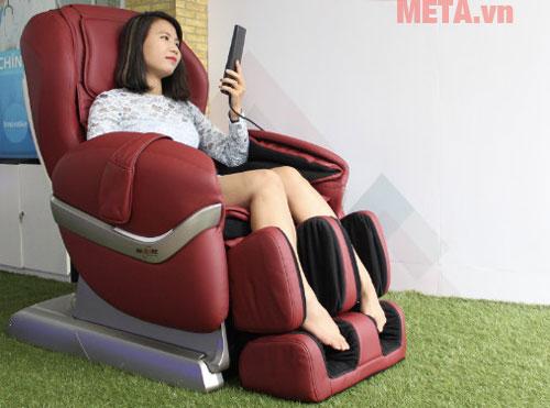 Ghế massage toàn thân Maxcare Max-684 màu đỏ