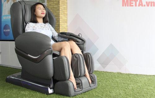 Ghế massage toàn thân Maxcare Max-684 màu xám