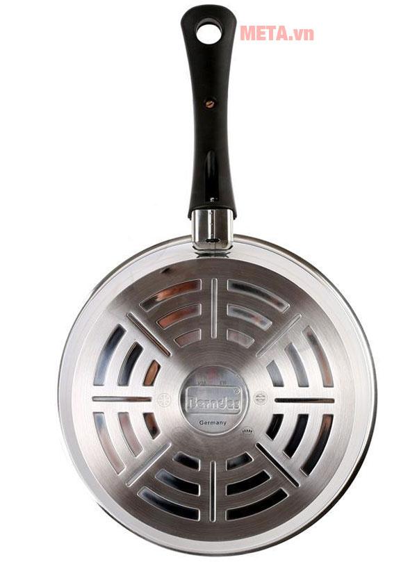Đáy chảo có thể sử dụng trên mọi loại bếp
