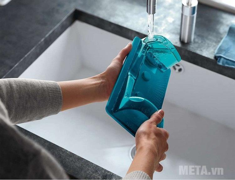 Bạn có thể dễ dàng tháo rời để vệ sinh ngăn chứa bụi