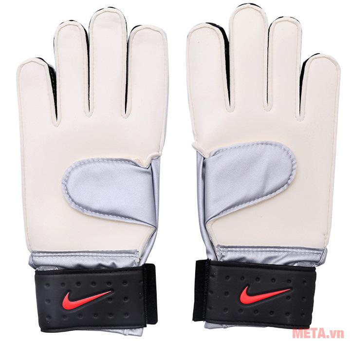 Găng tay bóng đá