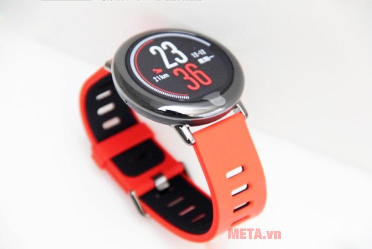 Đồng hồ thông minh có thiết kế hiện đại, màu sắc trẻ trung