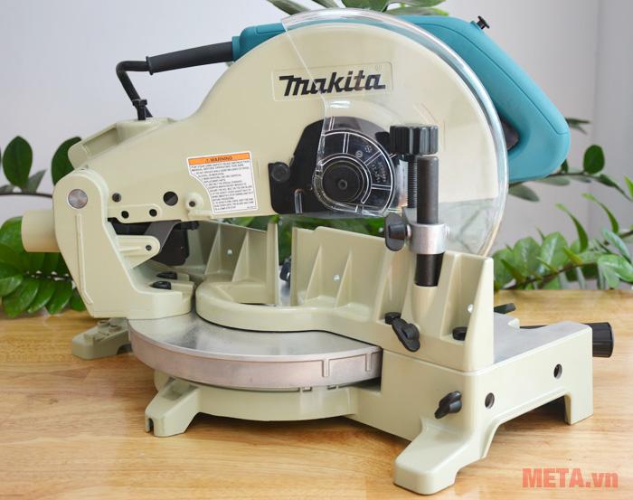 Máy cắt góc Makita